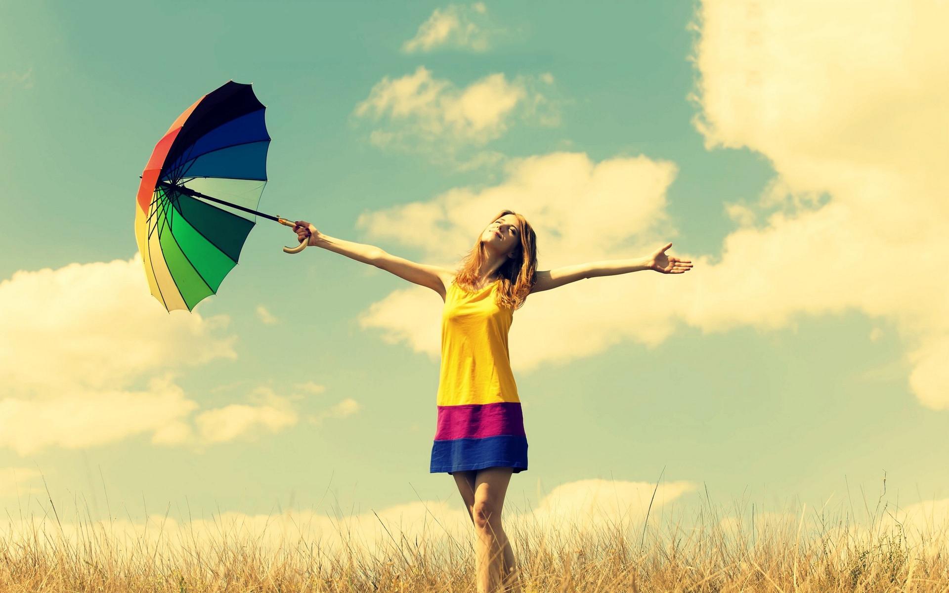 girl-enjoy-summer-sun-wallpaper